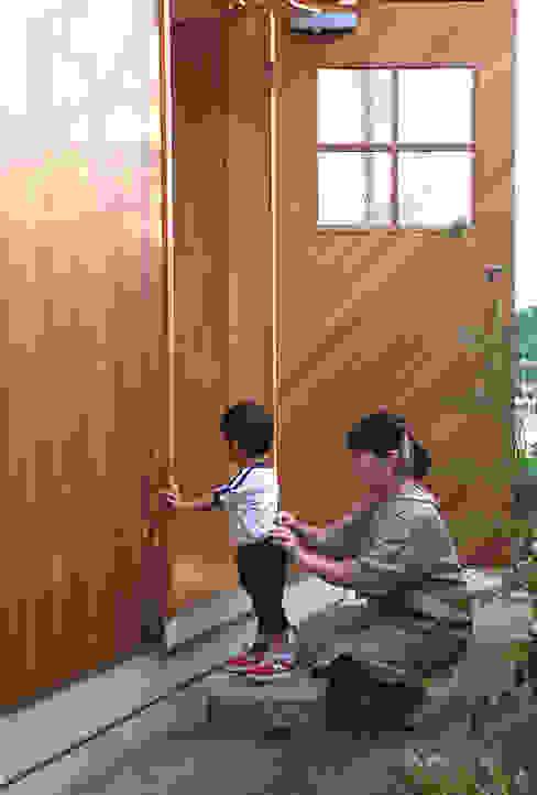 根據 丸菱建築計画事務所 MALUBISHI ARCHITECTS 現代風 木頭 Wood effect