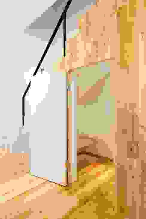 株式会社 中山秀樹建築デザイン事務所 现代客厅設計點子、靈感 & 圖片 木頭 Wood effect