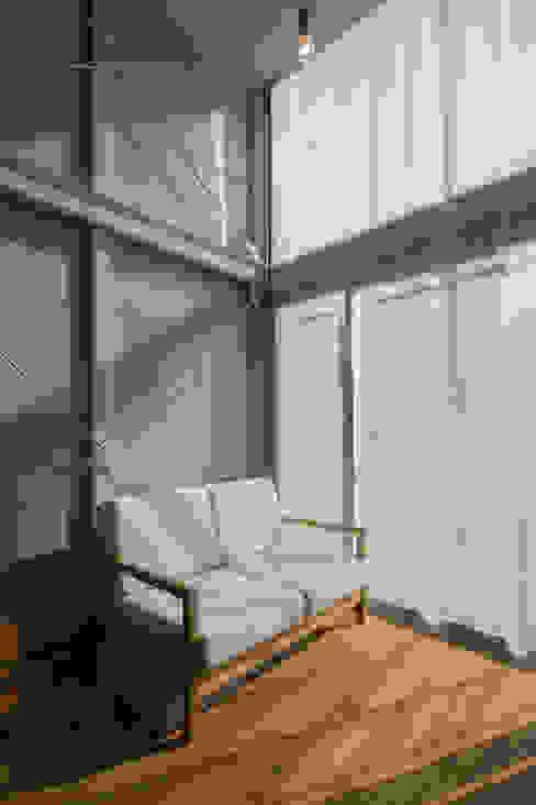 窗戶 by 山本嘉寛建築設計事務所 YYAA