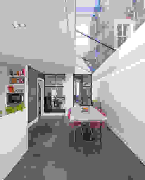 Kitchen /dining Ruang Makan Modern Oleh TAS Architects Modern