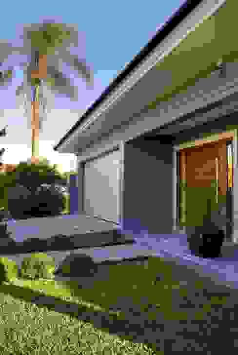 Single family home by Maciel e Maira Arquitetos,