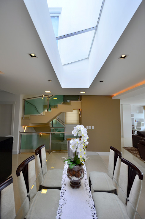 根據 Maciel e Maira Arquitetos 古典風