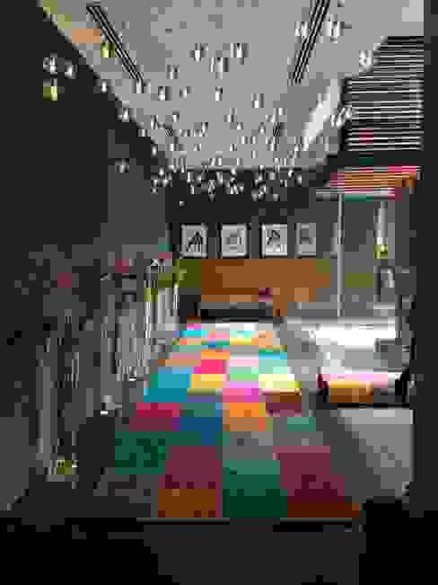 Ruang Keluarga Modern Oleh PARTOW GALERIAS Modern