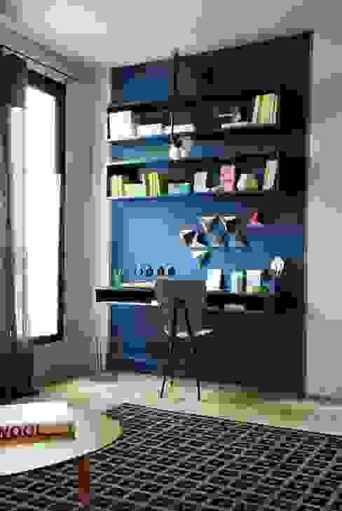 Interiors shritee ashish & associates Modern study/office