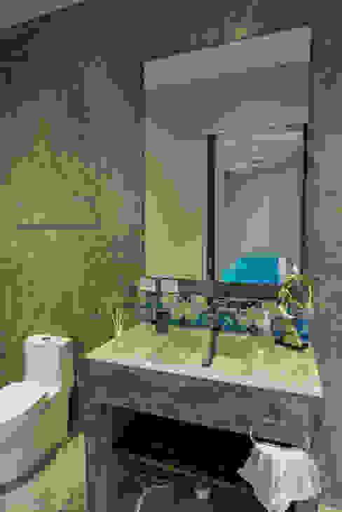 現代浴室設計點子、靈感&圖片 根據 CO-TA ARQUITECTURA 現代風