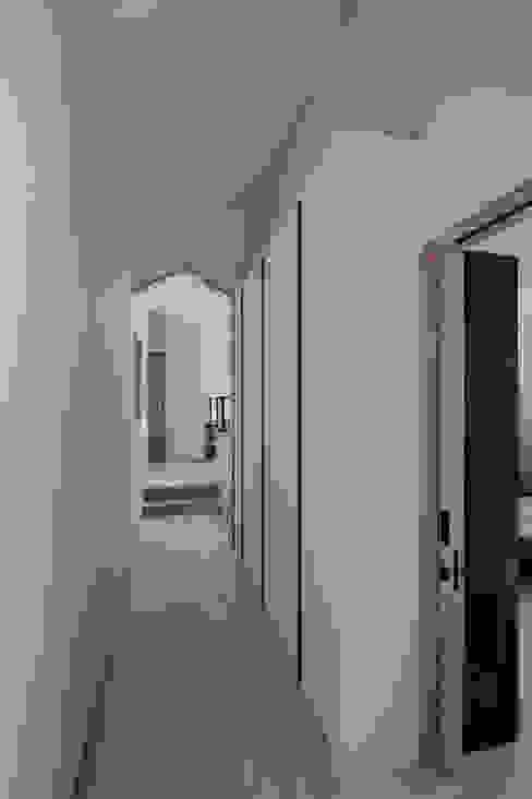 인천운서동주택: 위드하임의  복도 & 현관