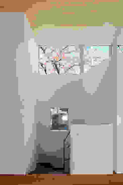桜並木と暮らす家 ミニマルな 窓&ドア の 設計事務所アーキプレイス ミニマル