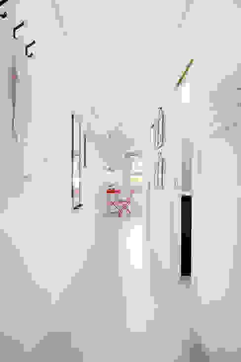par SHI Studio, Sheila Moura Azevedo Interior Design Scandinave