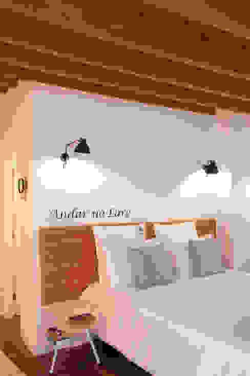 Apartamentos Rua de Trás - Alojamento turístico (7 apartamentos) - Centro do Porto ShiStudio Interior Design Quartos escandinavos