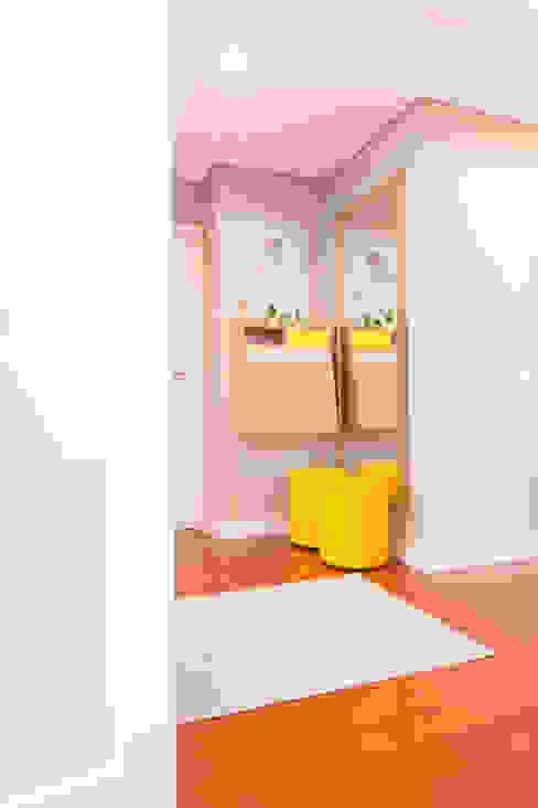 ShiStudio Interior Design Corridor, hallway & stairs Accessories & decoration