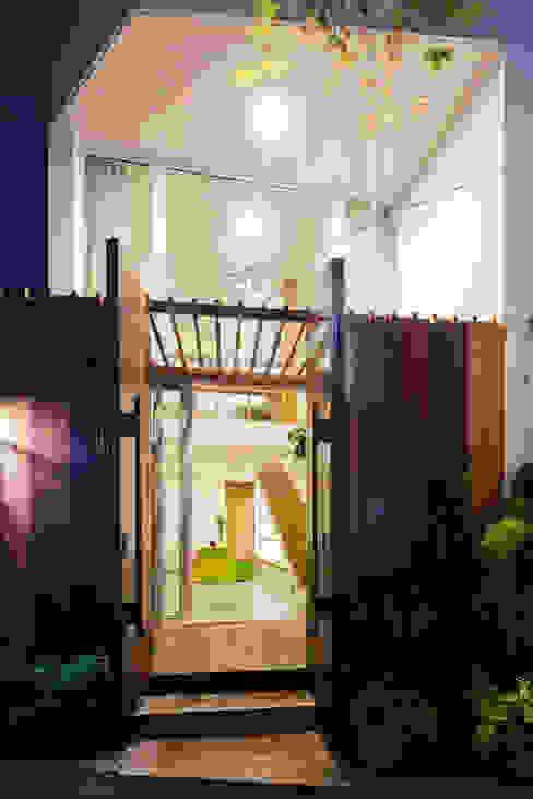 Single family home by Công ty TNHH Xây Dựng TM – DV Song Phát,