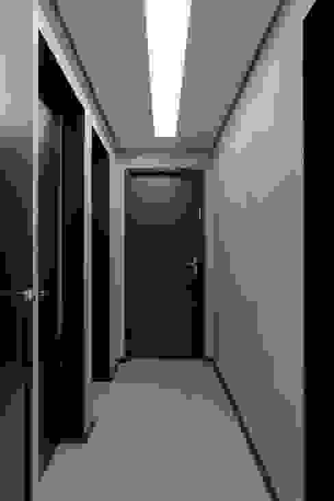 Circulação Interna Edifícios comerciais modernos por Semíramis Alice Arquitetura & Design Moderno