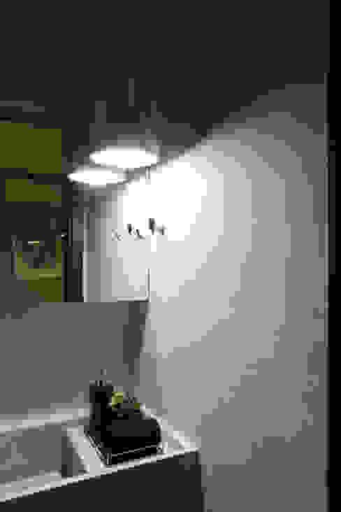 WC Sala de Reunião Edifícios comerciais modernos por Semíramis Alice Arquitetura & Design Moderno