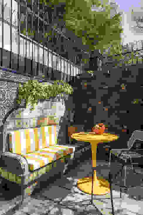 Hotel Pug Seal - Germán Velasco Arquitectos Balcones y terrazas modernos de Germán Velasco Arquitectos Moderno