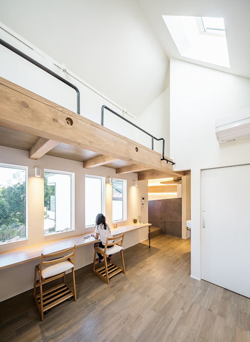 Modern Kid's Room by 株式会社seki.design Modern