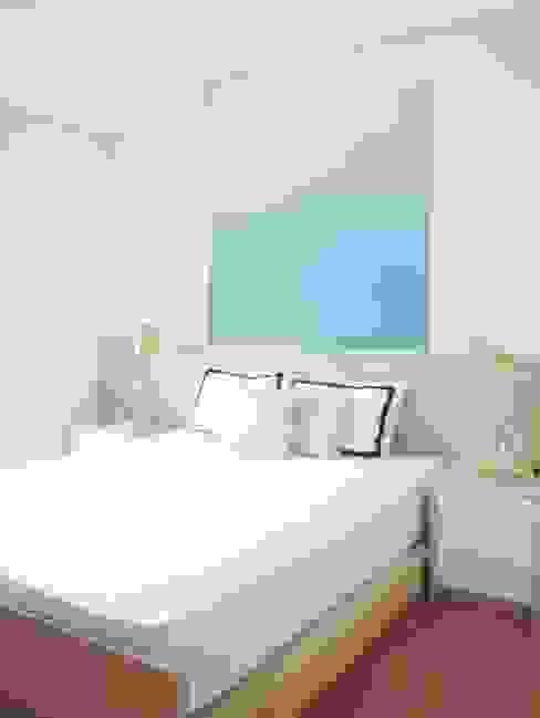 WPK Apartment byatelier Kamar Tidur Modern White