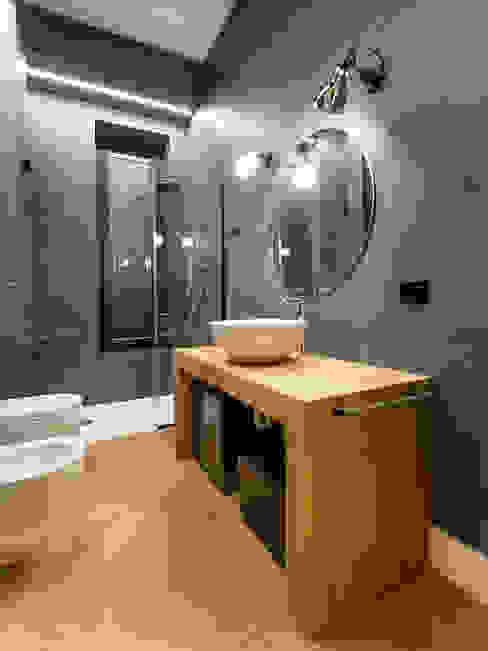Villa Ferroli | Bathroom GD Arredamenti Bagno moderno Legno massello Effetto legno