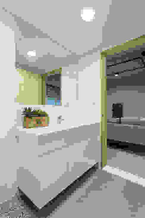 洗淨 / 復古:  商業空間 by 趙玲室內設計