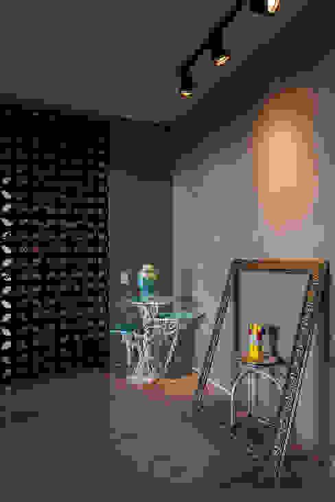 Hall de entrada Corredores, halls e escadas industriais por Nautilo Arquitetura & Gerenciamento Industrial Cerâmica