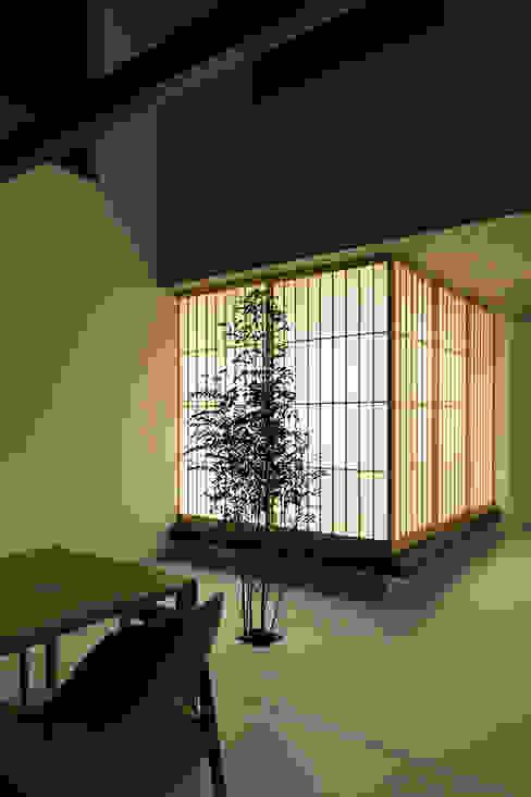 鎌倉 長谷の家 松岡淳建築設計事務所 モダンデザインの ダイニング