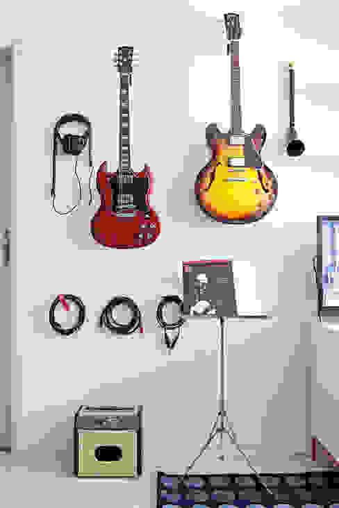 Salas de estilo moderno de INTERIOR - DECORAÇÃO EMOCIONAL Moderno