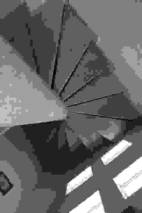 von Arquitectura Orgánica Viviana Font Modern