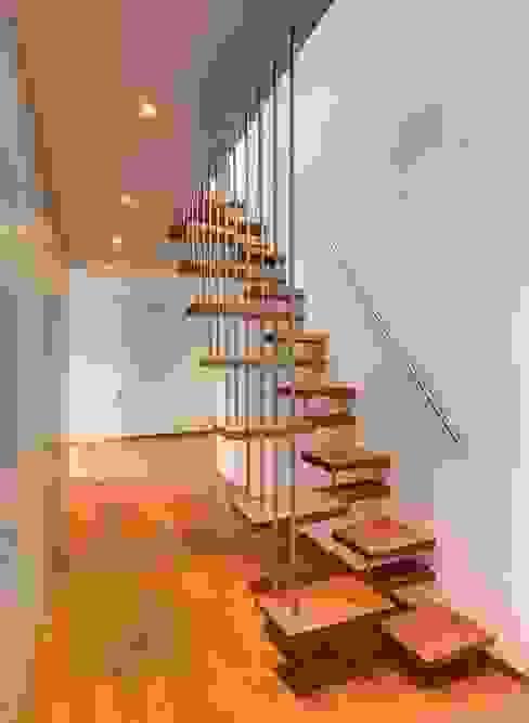 Ahşap Merdiven Modelleri Nerelerde Kullanılır? Katlanır Çatı Merdivenleri Çatı teras
