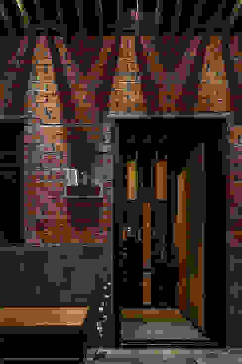 Modern style doors by 漢玥室內設計 Modern Wood Wood effect