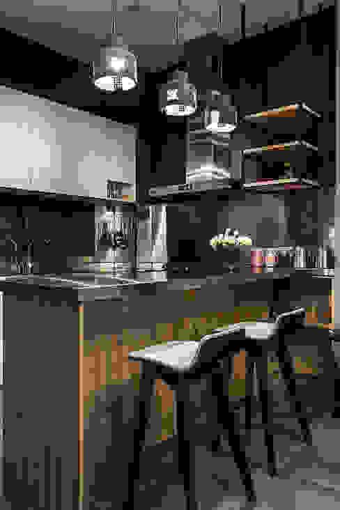 流光 現代廚房設計點子、靈感&圖片 根據 漢玥室內設計 現代風 塑木複合材料