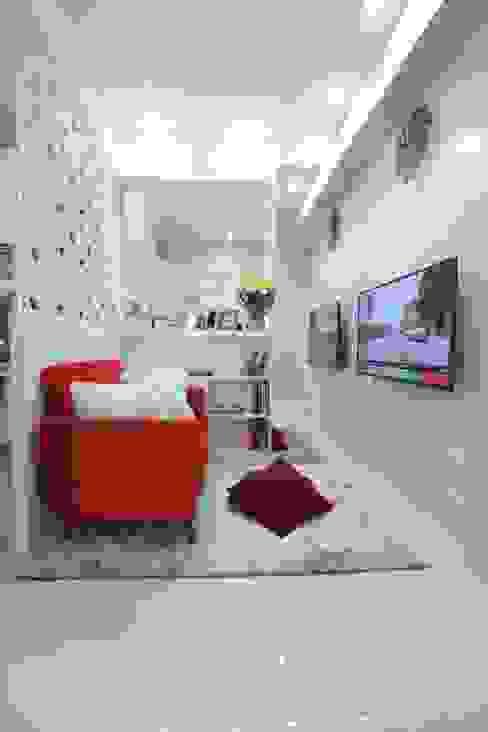 COZY PLACE FOR WEEKEND GETAWAY @ GREEN PRAMUKA APARTMENT, EAST JAKARTA Ruang Keluarga Modern Oleh PT. Dekorasi Hunian Indonesia (DHI) Modern