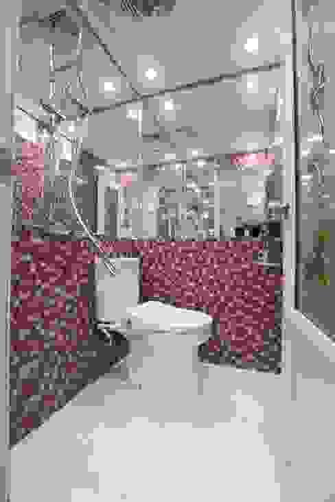Baños de estilo moderno de PT. Dekorasi Hunian Indonesia (DHI) Moderno