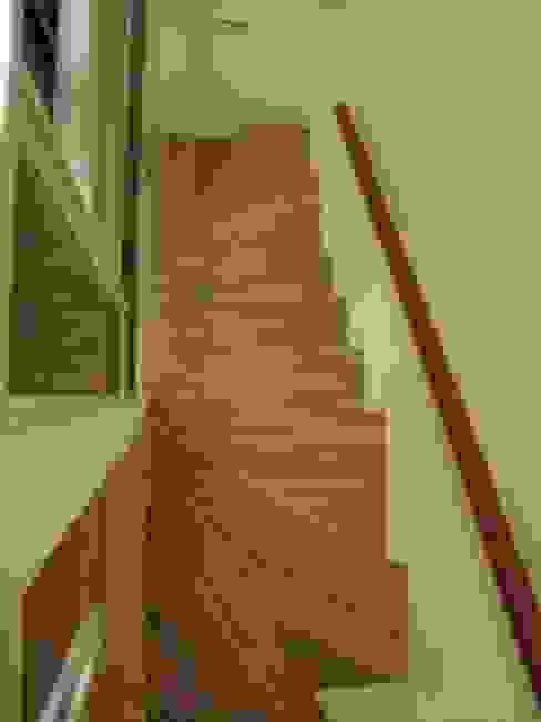 四米2 現代風玄關、走廊與階梯 根據 Joy Full Interior Designer 佐輔室內裝修 現代風