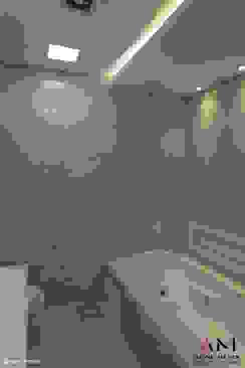 Banho Casal Banheiros clássicos por Aline Menin Arquitetura Clássico Azulejo