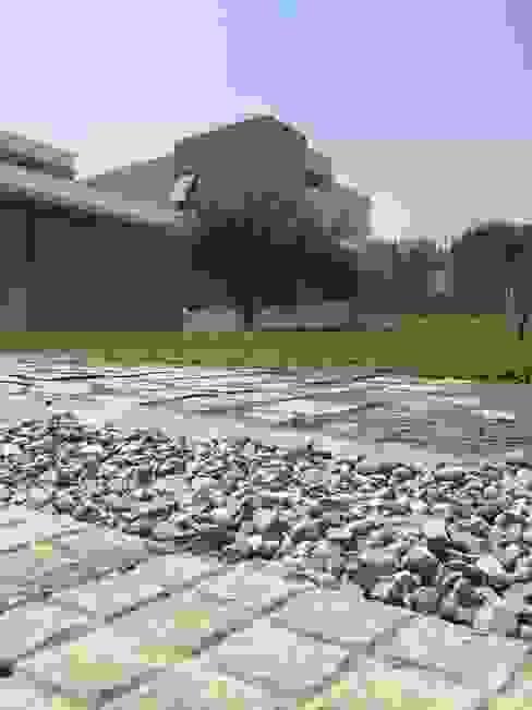 Casa Los ríos , Piedra Roja proyecto arquitek Casas unifamiliares Aglomerado Blanco