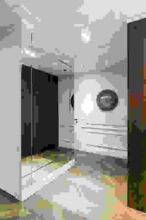 Коридор, прихожая и лестница в классическом стиле от Anna Serafin Architektura Wnętrz Классический