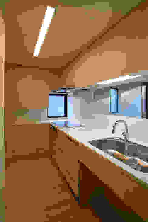 みんなの集まる家 モダンな キッチン の 設計事務所アーキプレイス モダン 合板(ベニヤ板)