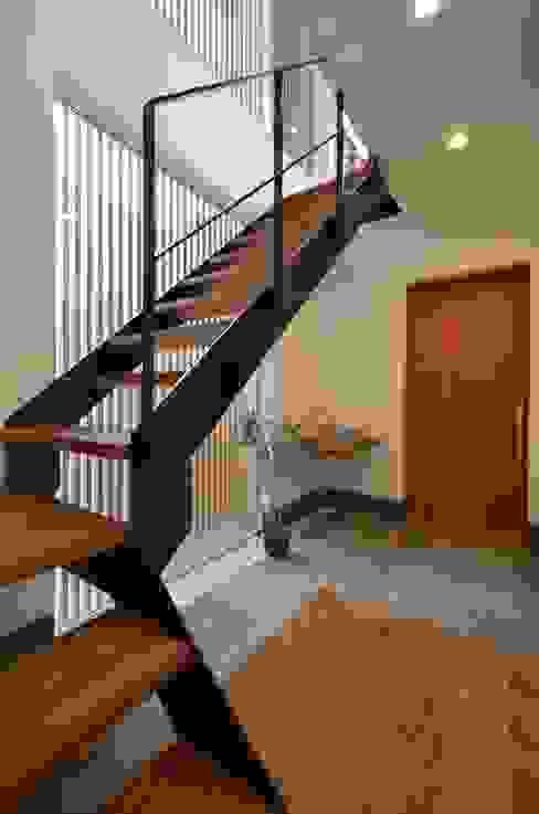 高級感のあるスチール階段 LobeSquare 階段 金属 黒色
