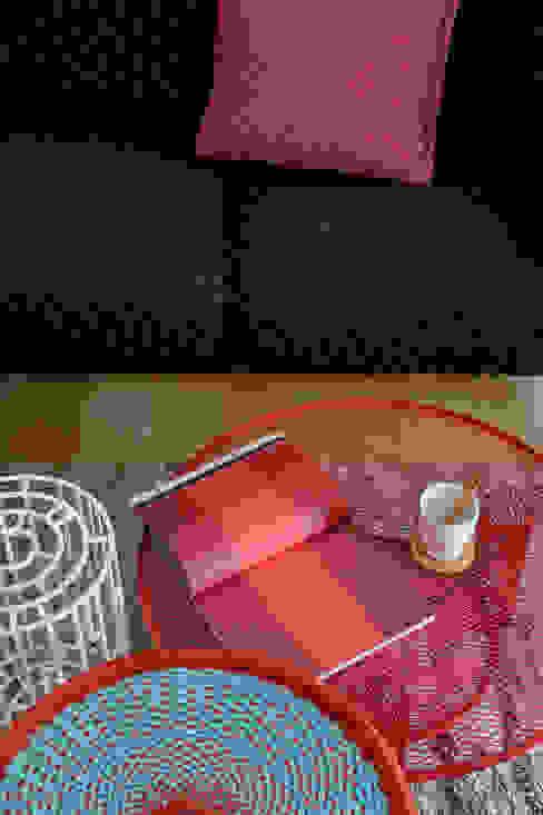 Euga Design Studio Minimalist living room
