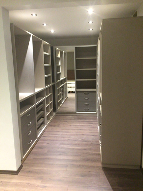 Remodelación vivienda en Versalles, CABA Inca Arquitectura Vestidores y placares modernos Madera