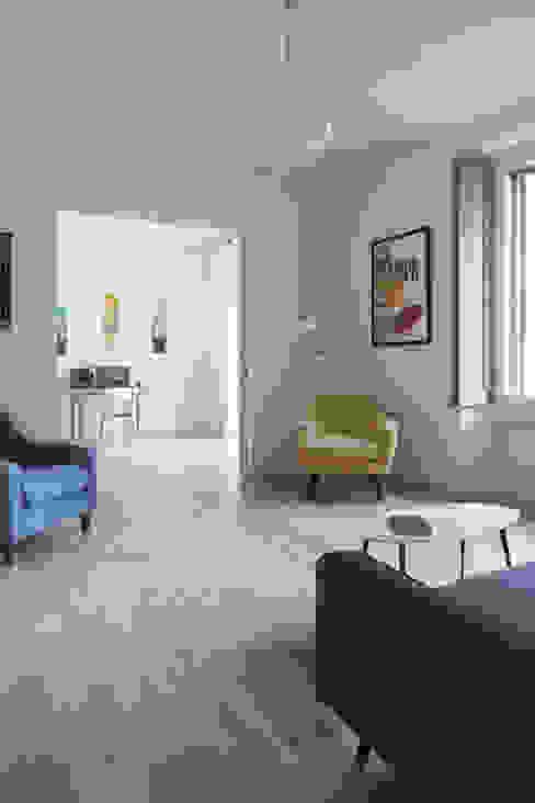 No.Lo. Flat Filippo Colombetti, Architetto Salas de estilo escandinavo Blanco