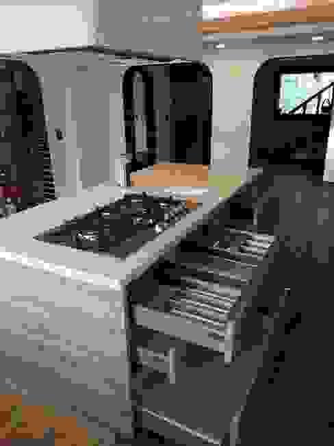 La Central Cocinas Integrales S.A de C.V Built-in kitchens