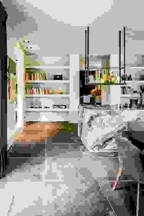 rijkelijke keuken van Studio FLORIS Landelijk Marmer