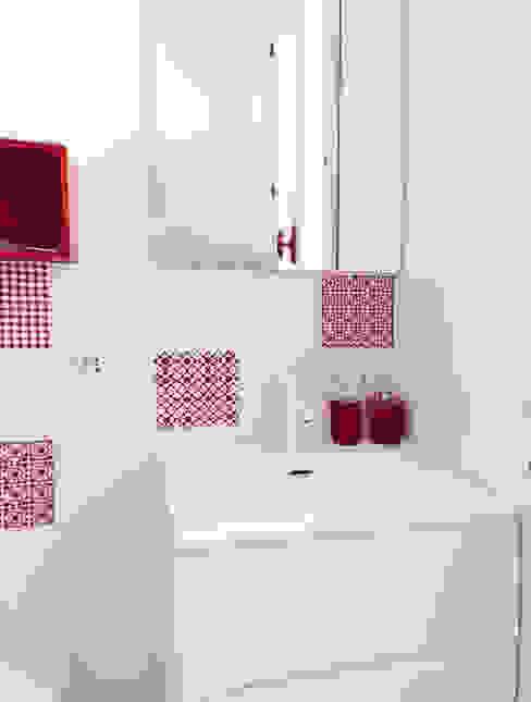 Design for Love Baños de estilo mediterráneo