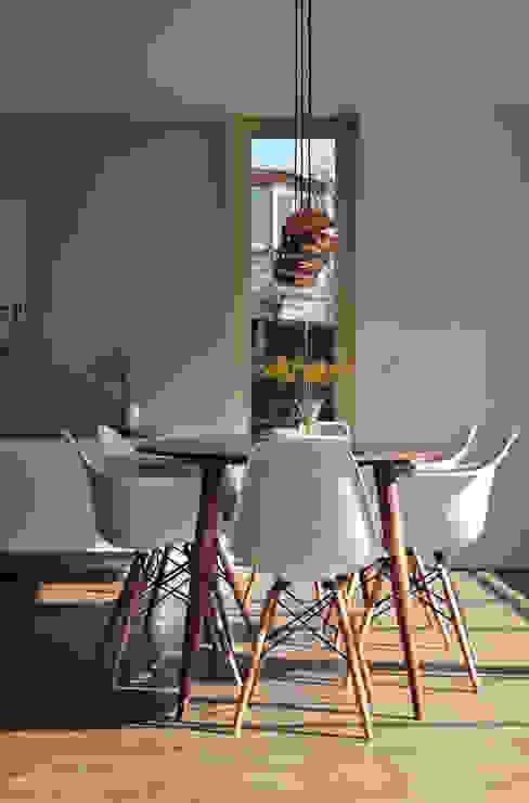 Esszimmer: modern  von Interieur & Feng Shui,Modern Holz Holznachbildung