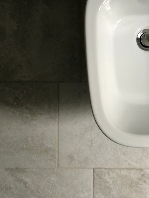 HV8 Modern Bathroom Ceramic