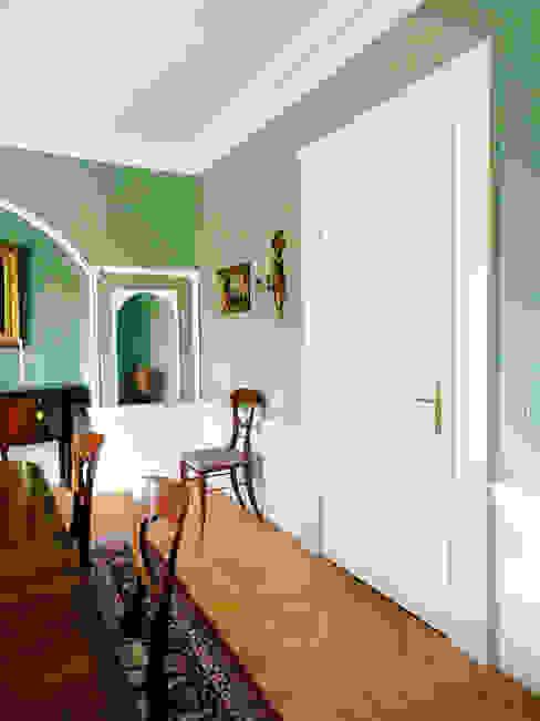 Stilvolle Türen nach Maß. von Schwarzott Einrichtungshaus & Werkstätte Kolonial Holz Holznachbildung