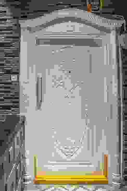 Residence Minimalist style doors by homify Minimalist
