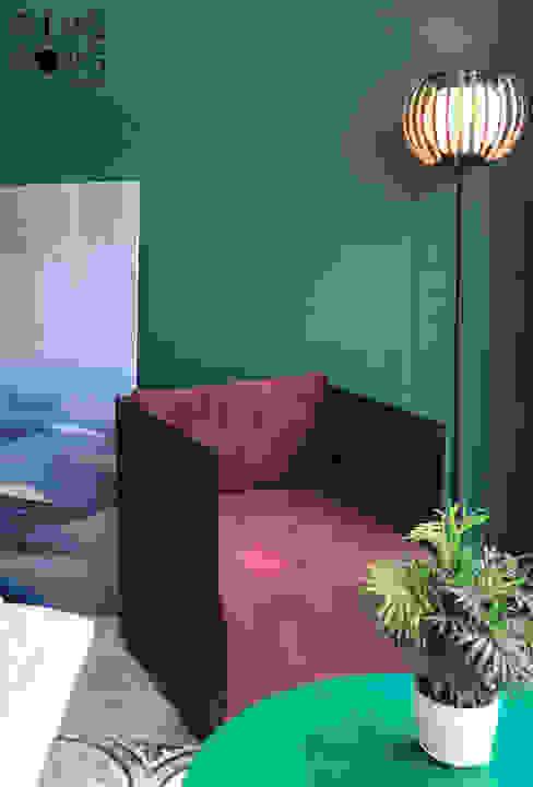 Box armchair: hiện đại  by PingPong Atelier Furniture, Hiện đại