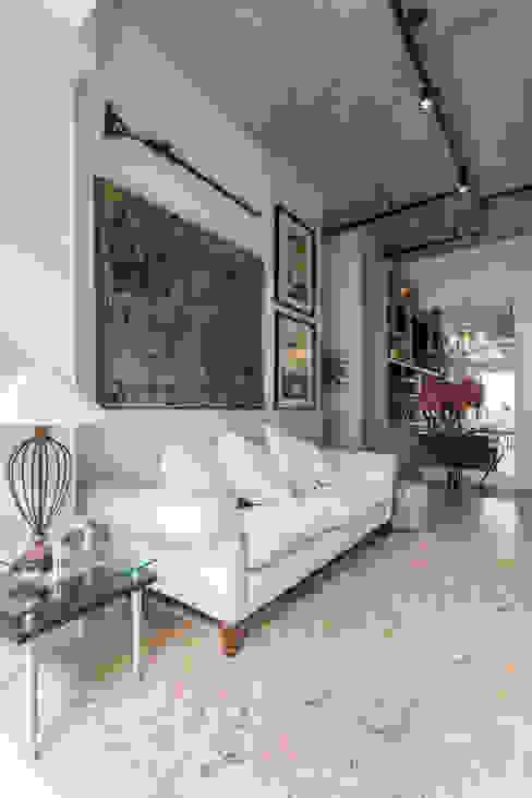 Estímulo Urbano Salas de estar clássicas por Studio Ideação Clássico Concreto