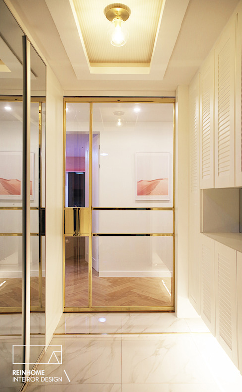 Puertas modernas de 리인홈인테리어디자인스튜디오 Moderno